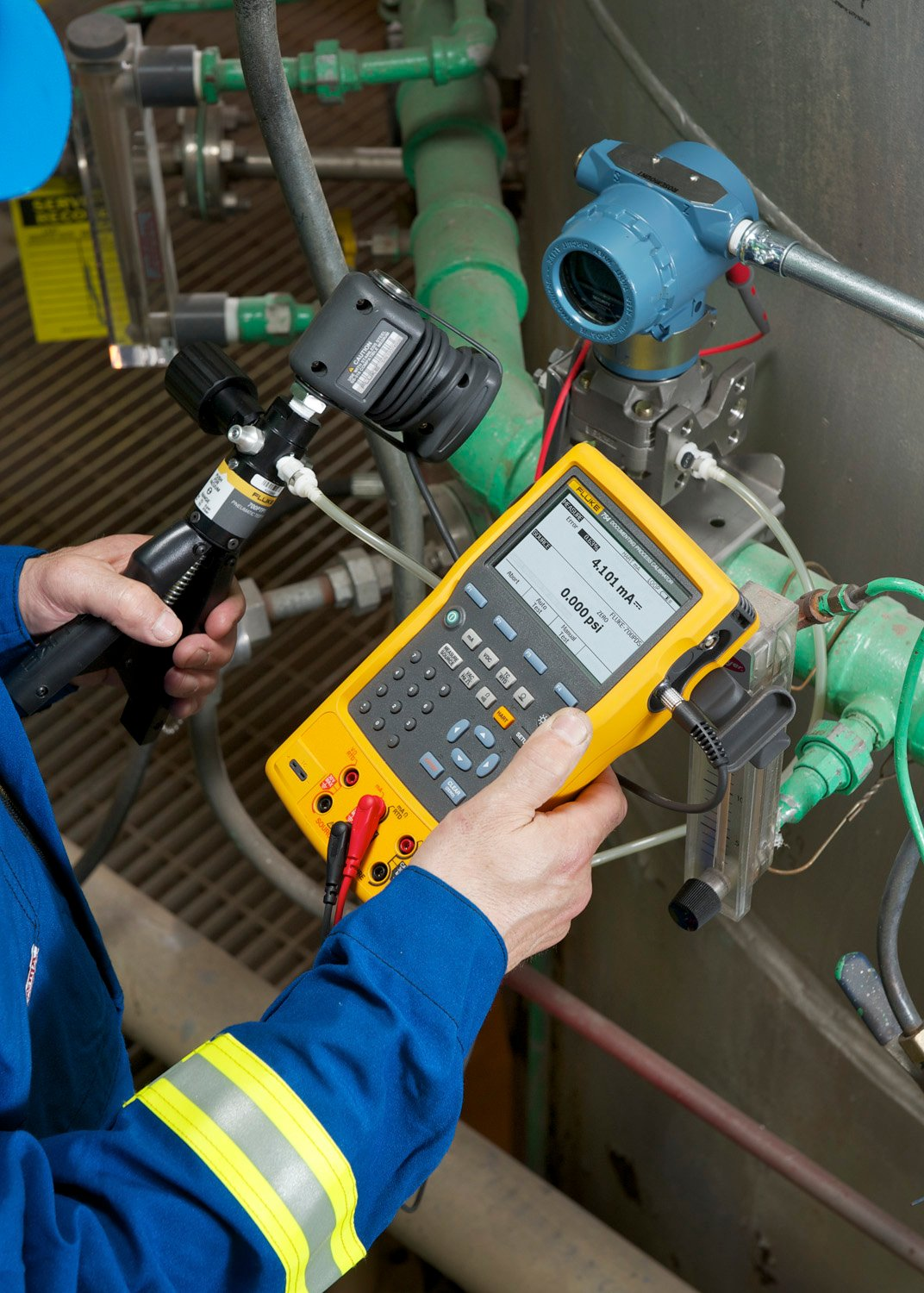 Hart Protocol in Use Between Fluke 754 and Pressure Transmitter