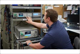 8,5-разрядный цифровой мультиметр на производственном участке