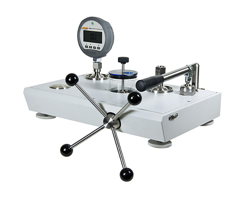 Pressure Calibrator with Gauge